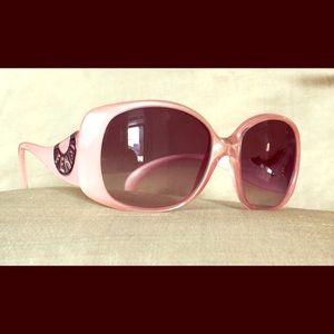 Fendi Sunglasses FS5064 Chef in Pink Pearl 🕶